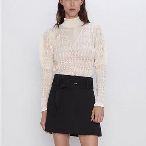 Ecru Puff sleeve sweater